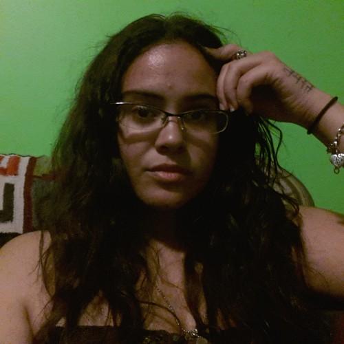 Trina Otero, Akosmopolite
