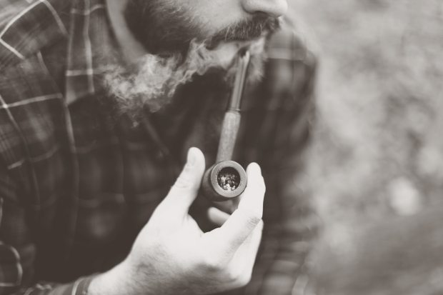 tobacco pipe smoking cigarette nicotine addiction